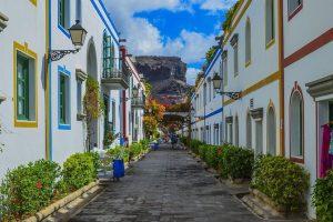 Las Palmas tour with volcanic crater